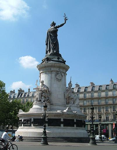 statue de la République place de la république à Paris